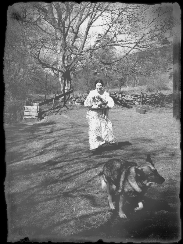 A fair maiden in a sprigged muslin frock appeared from nowhere carrying a spaniel. perhaps a ghost from filming 30 years ago.